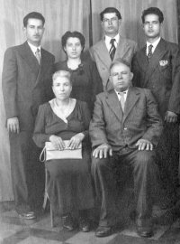Carmelo & Carmela Quagliata and their children Mariano, Pietrina, Paolino & Salvatore  c.1940